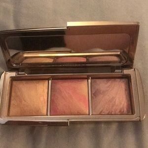 Gently used Hourglass Lighting Blush Trio Palette
